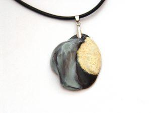 Wisior ceramiczny szara mgiełka z terakotą.