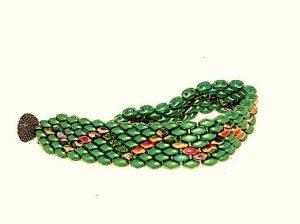 Bransoletka z koralików SuperDuo w kolorze zielonym.